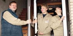 3 2009 zwei standbeine geschickt verkn pft herzlich willkommen bei der tischlerei hoppe aus. Black Bedroom Furniture Sets. Home Design Ideas