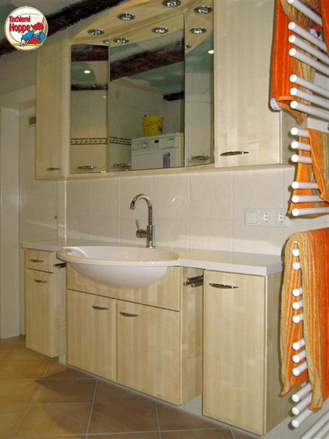 badezimmer schrnke grau full size of grau weiss badezimmer schrnke groer alter massiver. Black Bedroom Furniture Sets. Home Design Ideas